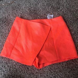 orange shorts!